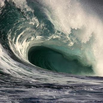 crashing-storm-wave-vince-cavataio